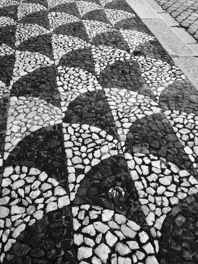 Mission Impossible: Ask a Portuguese To Make a Boring Pavement